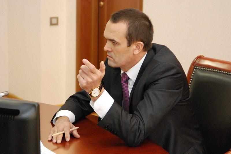 Библиотекарь пожаловалась Игнатьеву на дискриминацию пенсионеров и плохую работу Минкульта